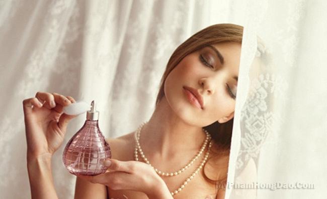 Bí quyết sử dụng nước hoa lưu hương lâu từ chuyên gia