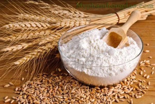 Cách trị mụn đầu đen hiệu quả với bột mì
