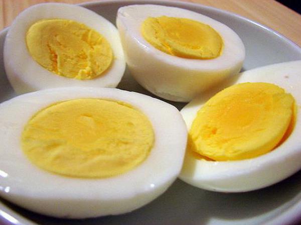 Có nên ăn lòng trắng trứng để giảm cân không ?